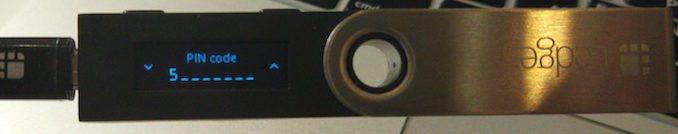 Indtastning af pin koden til Ledger Nano S